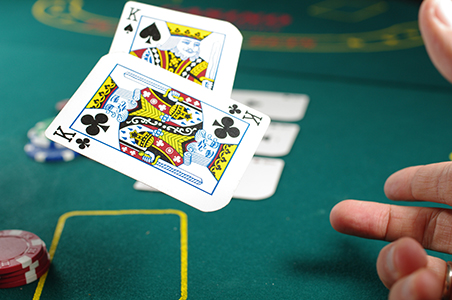 Leadership development masterclass decision making lessons from management theory and poker